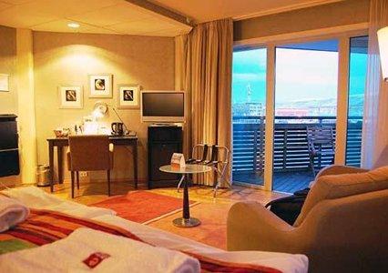 clarion collection hotel aurora vegan reviews vegan travel. Black Bedroom Furniture Sets. Home Design Ideas