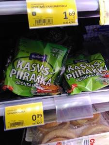 2016 Helsinki Airport Alepa Kasvispiirakka Vihis VeganTravel Vegan Travel