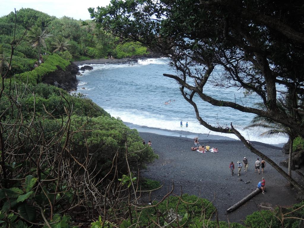 2016:05:27 Hana Maui Hawaii MM VeganTravel Waianapanapa Park Black Sand Beach