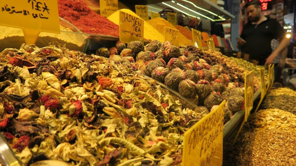 Istanbul_spice bazaar tea