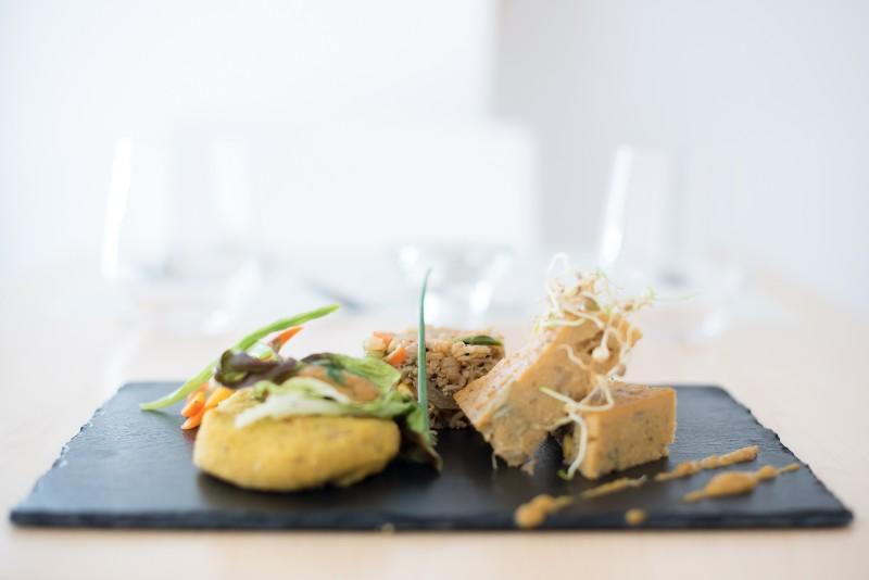 Miobio restaurant valencia photos reviews vegan travel - Vegetarian restaurant valencia ...