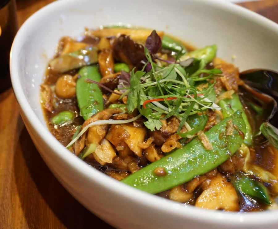 Stir Fried Sesban Flower & Sugar Snaps