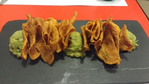 Sewwt potatoe crisps and Guacamole at Malmö in Russafa