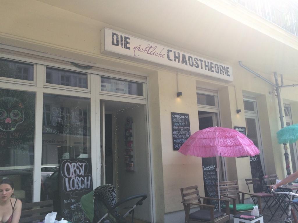 Cafe Berlin, Die Chaostherorie