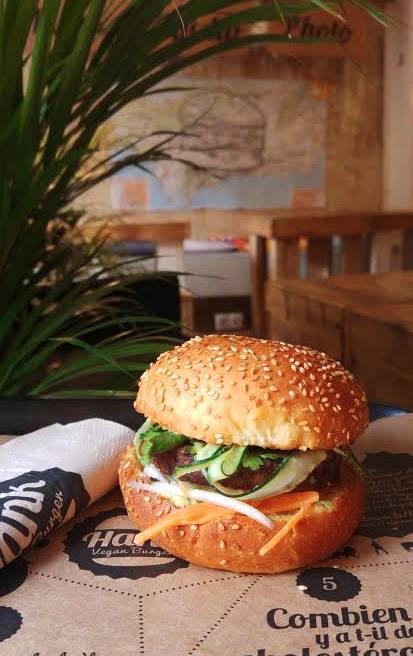 hank vegan burger vegan traveller reviews. Black Bedroom Furniture Sets. Home Design Ideas