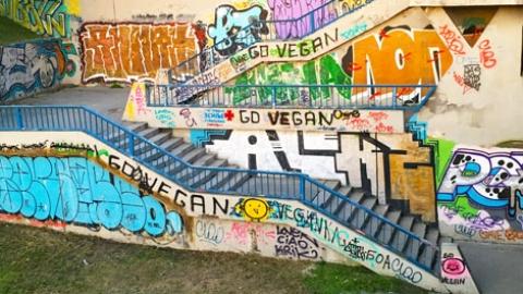 Vegan graffiti in Belgrade, Serbia
