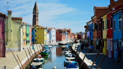 Islands hopping in Venice: Murano, Burano, Torcello, Lido