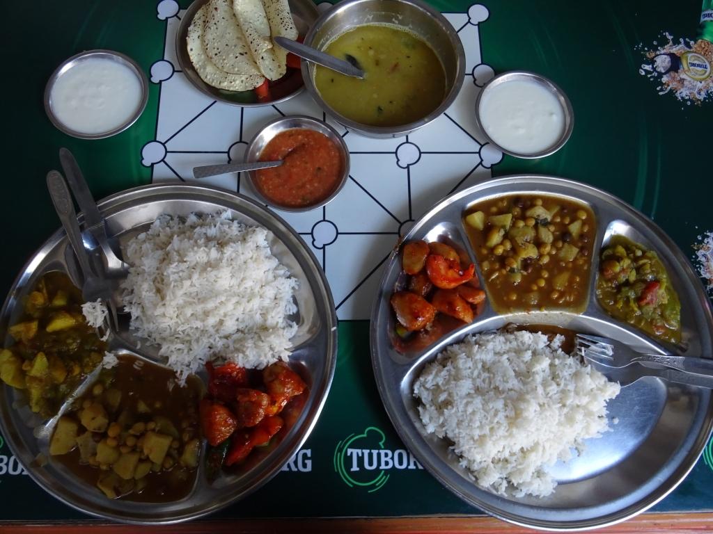 Dal bhat travel vegan in Nepal