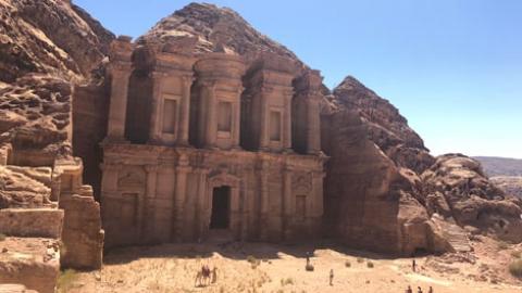 Vegan travelling in Jordan-Petra, Amman, Jerash